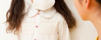 按摩胸背预防小孩肺病
