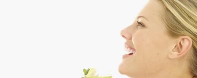 夏季减肥分体质 一杯清茶去油脂