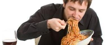 这四种行为最伤脾胃  生活中尽量要避...