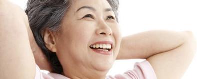 肺病患者进行锻炼 呼吸操和步行更适合