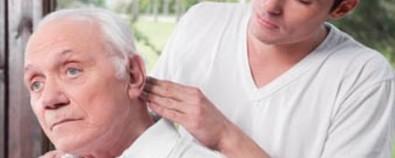 老年斑早早到来 一定要警惕老年痴呆症